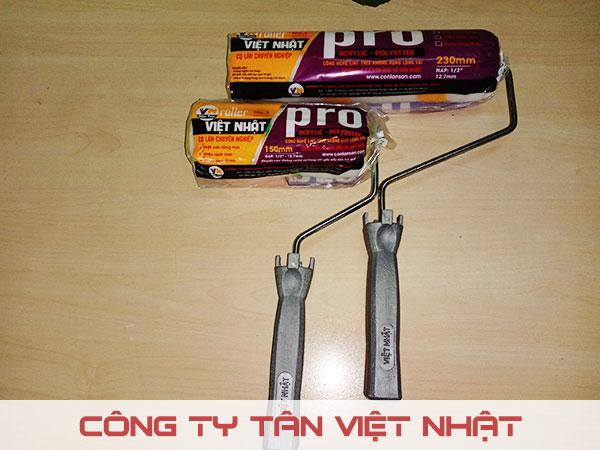 Sản phẩm cọ lăn sơn đa năng Tân Việt Nhật chất lượng cao. Sử dụng cho sơn nước lẫn sơn dầu