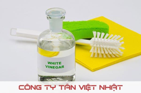 Giấm trắng rất hữu ích cho việc làm sạch sơn